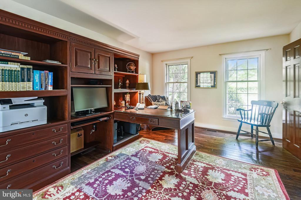 Library with double windows front and back - 11949 GREY SQUIRREL LN, RESTON