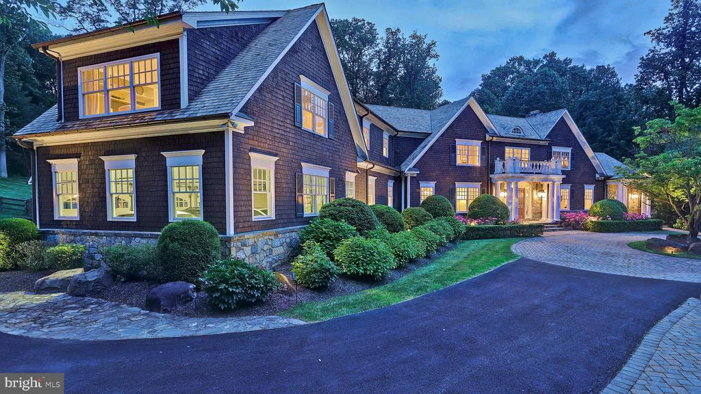 Exterior - Front - 7301 DULANY DR, MCLEAN
