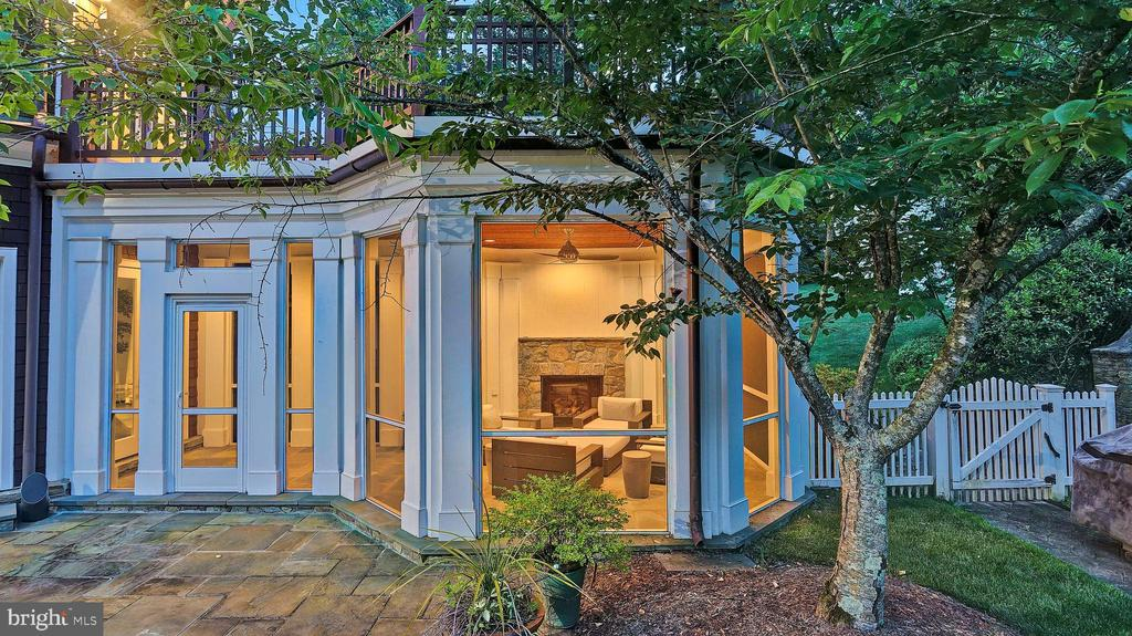 Screened Porch - 7301 DULANY DR, MCLEAN