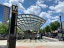 Convenient to Clarendon Metro - 2621 FAIRFAX DR, ARLINGTON