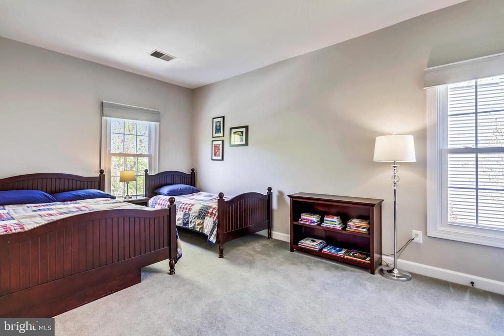 Large Forth Bedroom - 43690 MINK MEADOWS ST, CHANTILLY