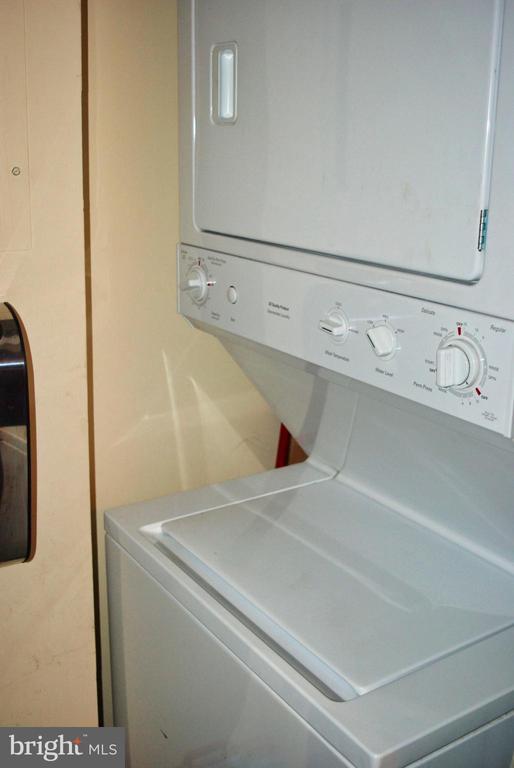 Stackable Washer Dryer In Suite - 12902 CHURCHILL RIDGE CIR #2-1, GERMANTOWN