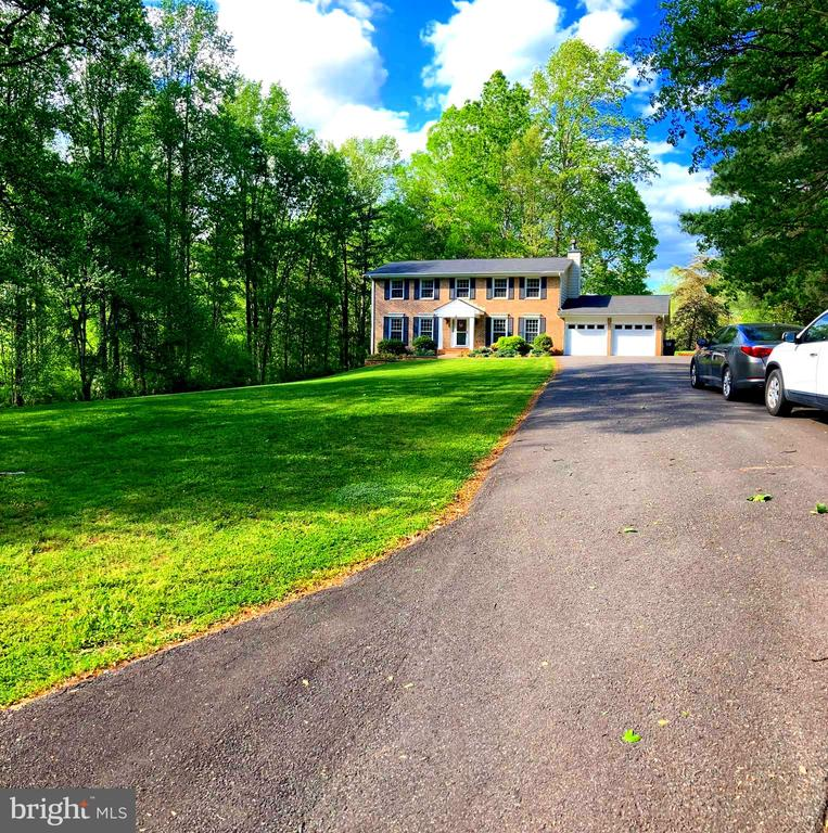- 105 FENCE POST RD, STAFFORD