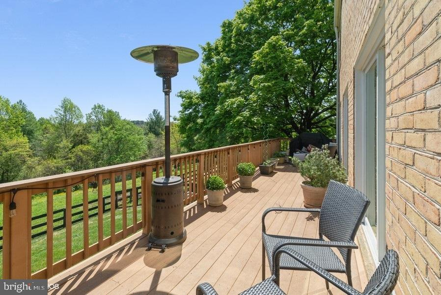 Deck facing the mountains - 39895 THOMAS MILL RD, LEESBURG