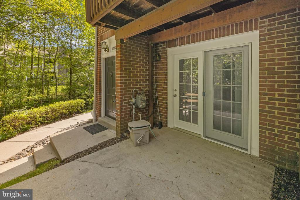 personal patio - 12522 KEMPSTON LN, WOODBRIDGE