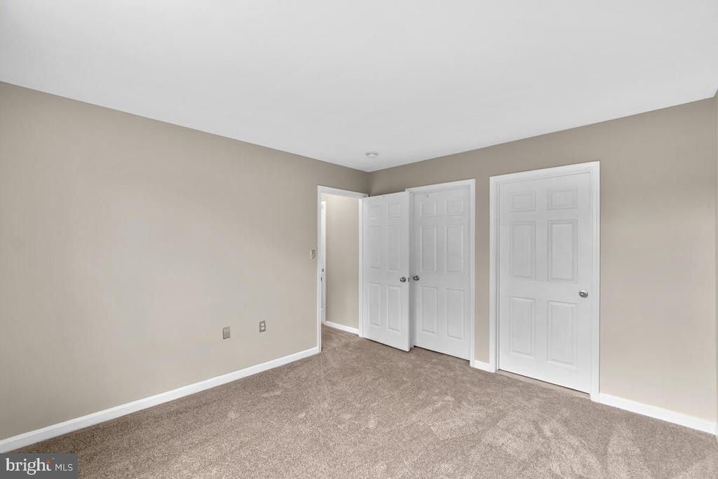 2nd  Primary Bedroom up with private bath - 8050 NICOSH CIRCLE LN #42, FALLS CHURCH