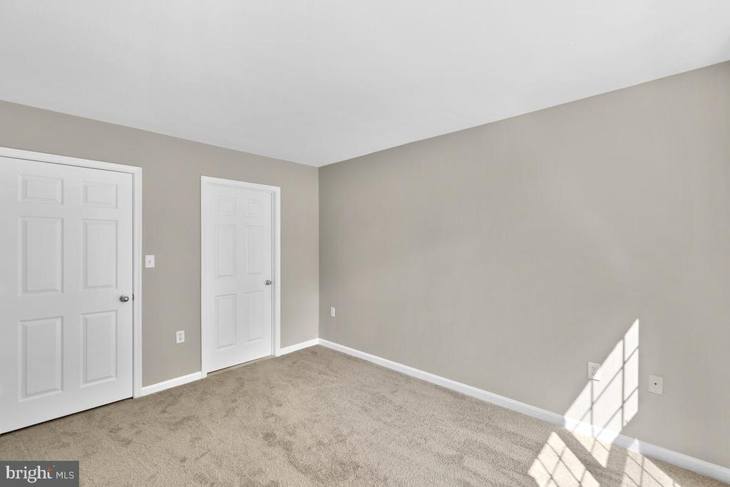 - 8050 NICOSH CIRCLE LN #42, FALLS CHURCH