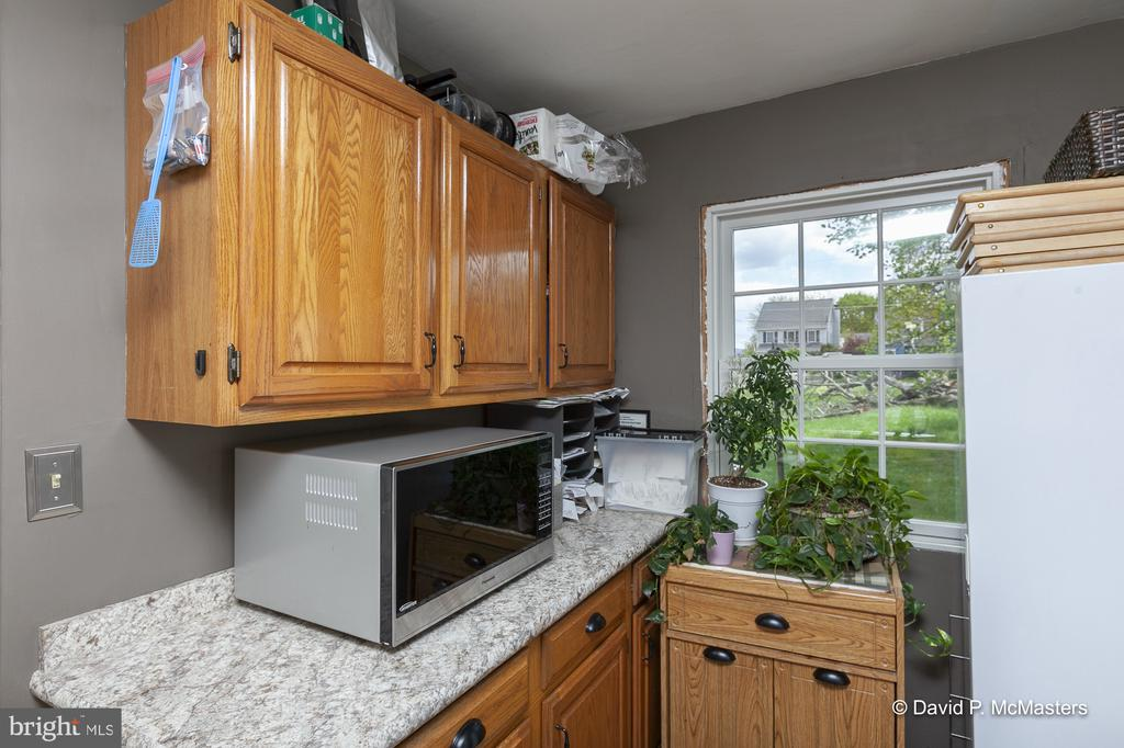Additional  cabinetry and work space - 417 E WASHINGTON ST, CHARLES TOWN