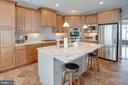 SS appliances, plenty of cabinetry - 24960 ASHGARTEN DR, CHANTILLY
