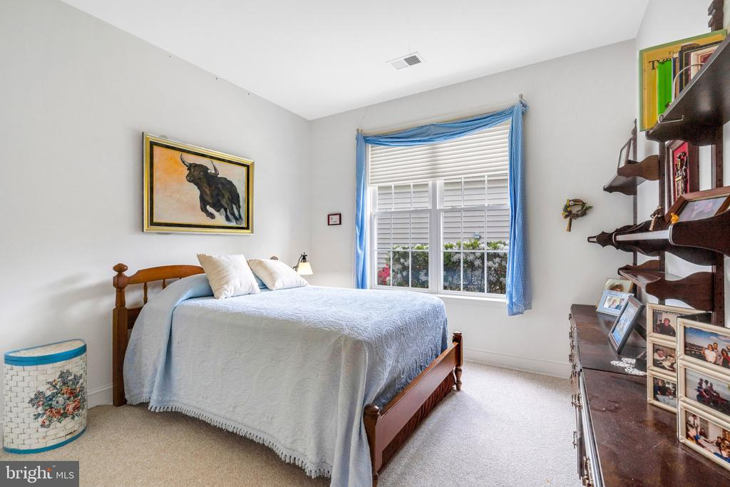 Private guest room - 13843 CRABTREE WAY, GAINESVILLE