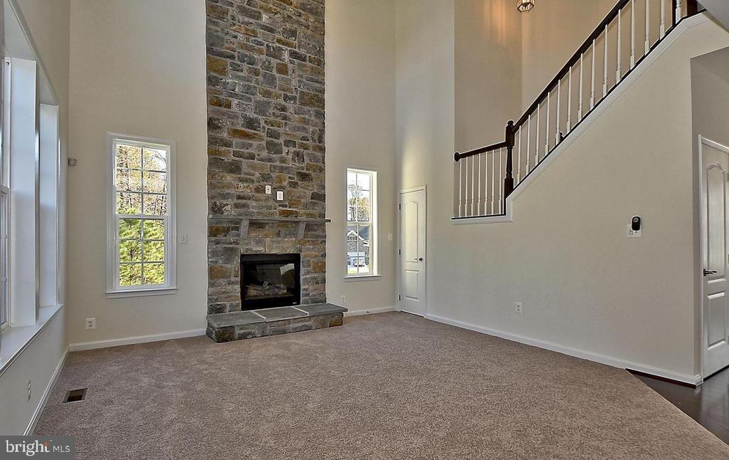 Two  Story Family Room - 530 WATERSVILLE RD, MOUNT AIRY