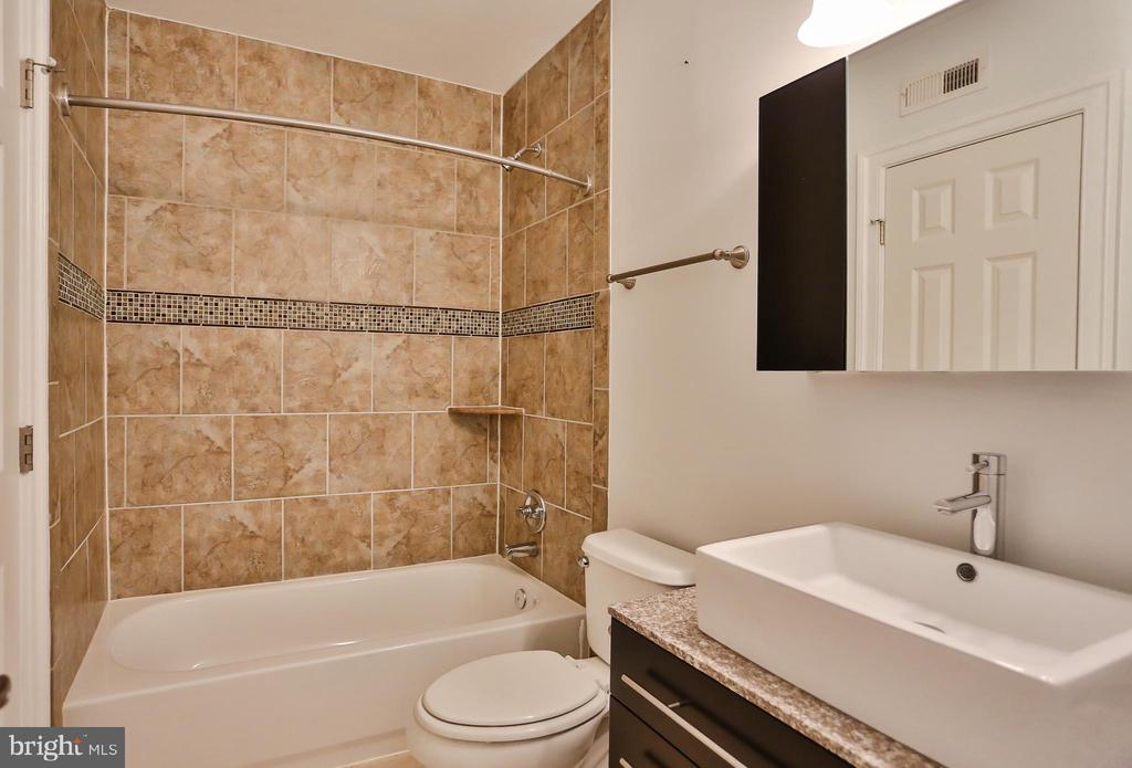 Basement Full Bath - 7215 TANAGER ST, SPRINGFIELD