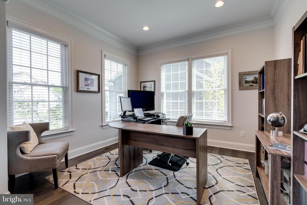 Easily accommodated the transition to teleworking - 2094 TWIN SIX LN, DUMFRIES