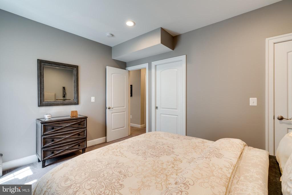 Bedroom #5 - 2094 TWIN SIX LN, DUMFRIES
