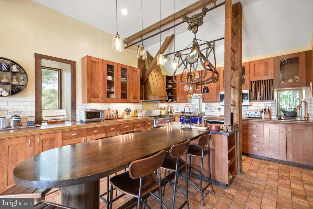 Kitchen with custom island - 11024 OLD FREDERICK RD, THURMONT