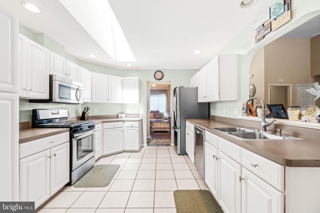 Kitchen - 118 MONTICELLO CIR, LOCUST GROVE