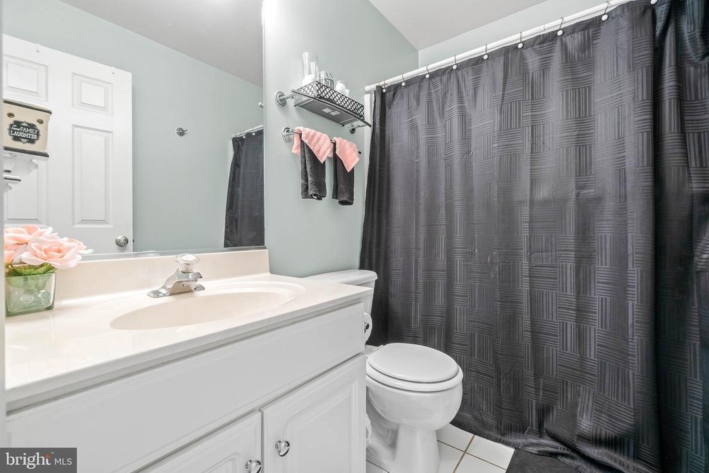 Bathroom - 118 MONTICELLO CIR, LOCUST GROVE