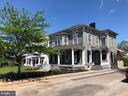 Enjoy life in Historic Winchester! - 310 AMHERST ST, WINCHESTER