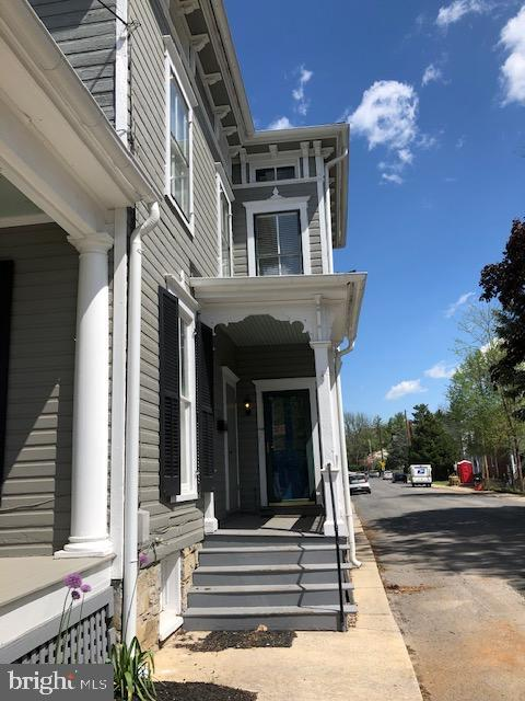 Beautiful apartment for rent or guests. - 310 AMHERST ST, WINCHESTER