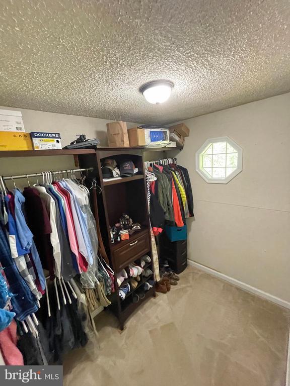 Master closet - 1501 BROOKE RD, STAFFORD
