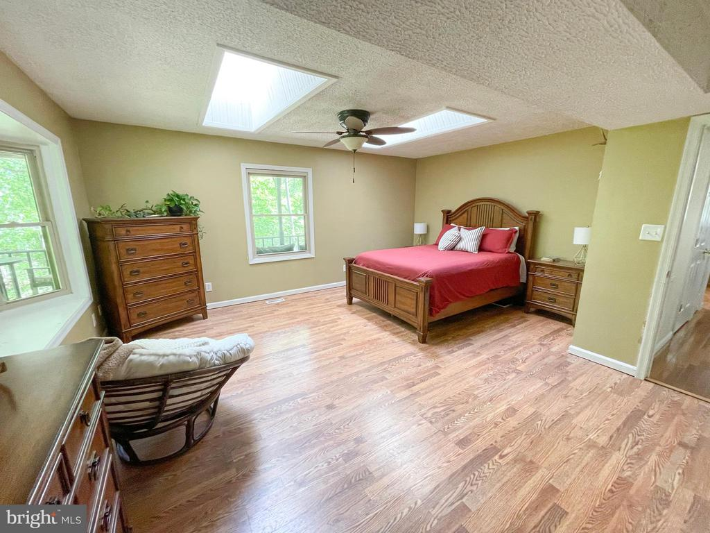 Main level Master Suite - 1501 BROOKE RD, STAFFORD