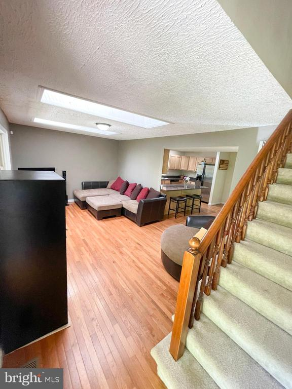 living room off of the foyer - 1501 BROOKE RD, STAFFORD