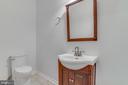 Half bath main level - 916 N CLEVELAND ST, ARLINGTON