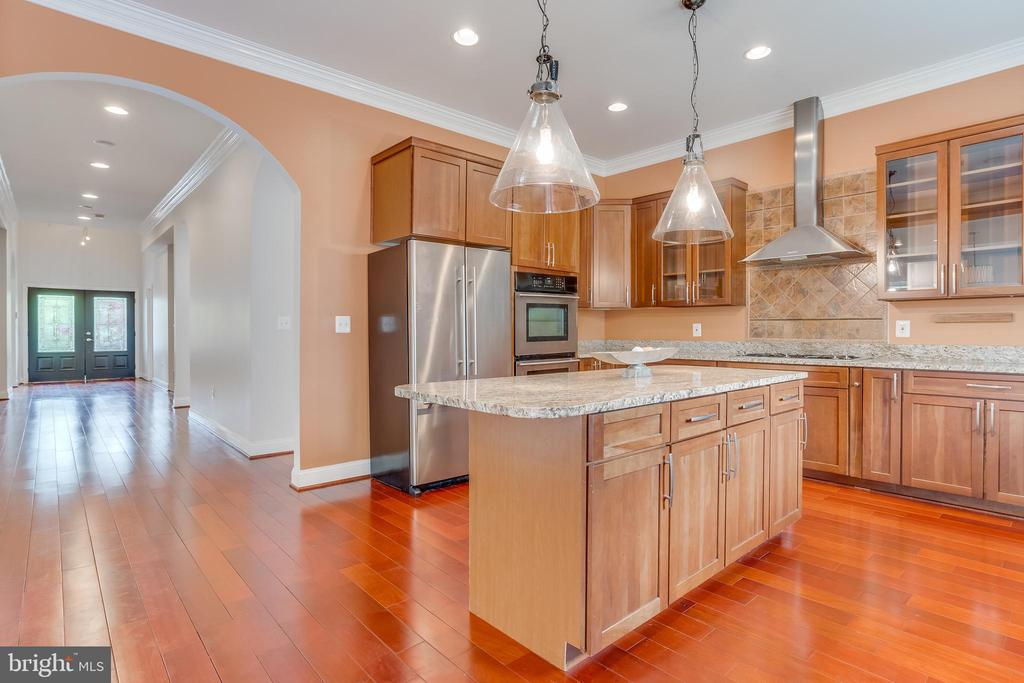 Kitchen 4 - 916 N CLEVELAND ST, ARLINGTON