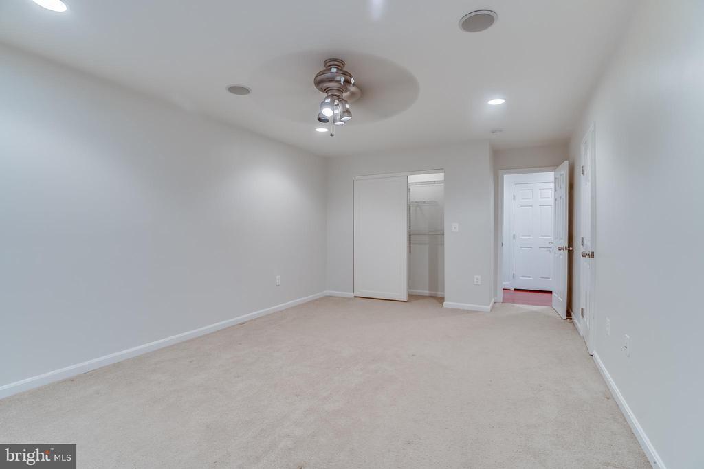 bedroom #3 - 916 N CLEVELAND ST, ARLINGTON