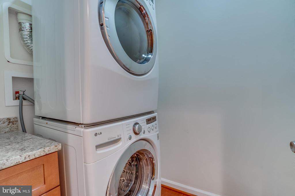 Laundry room basement - 916 N CLEVELAND ST, ARLINGTON