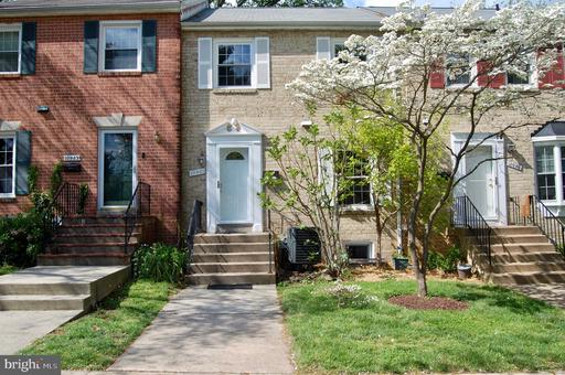 10941 AMHERST AVE #6