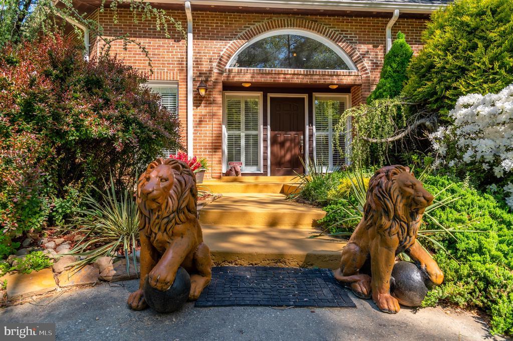 Homefront - 8001 THORNLEY CT, BETHESDA