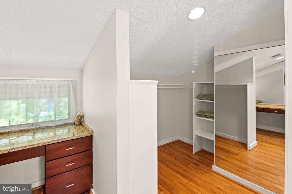 Owner's Dressing Room - 8001 THORNLEY CT, BETHESDA