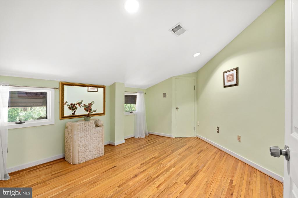 Third Bedroom - 8001 THORNLEY CT, BETHESDA