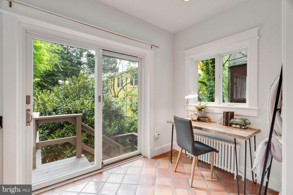 Breakfast Nook/Sitting Area - 3605 34TH ST NW, WASHINGTON