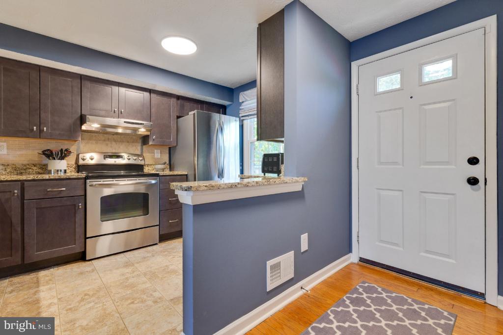 Hardwood floors throughout main level - 12110 PURPLE SAGE CT, RESTON