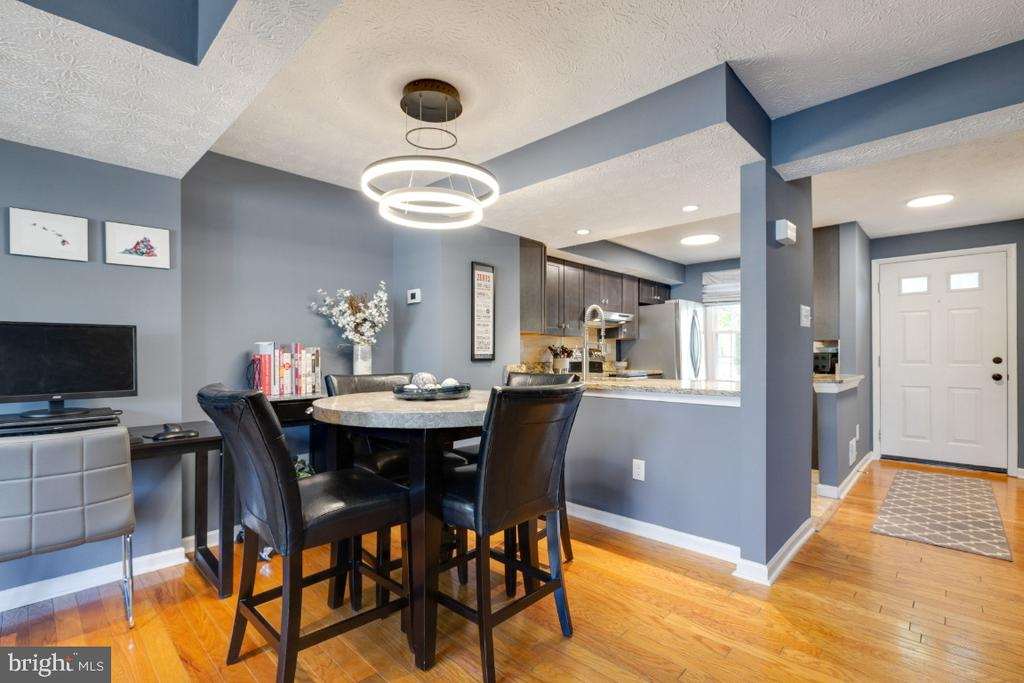 Open concept with dining area - 12110 PURPLE SAGE CT, RESTON