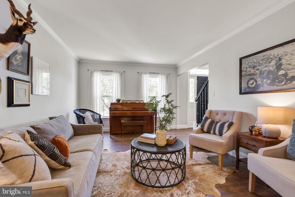 Living Room - 10213 N HAMPTON LN, FREDERICKSBURG
