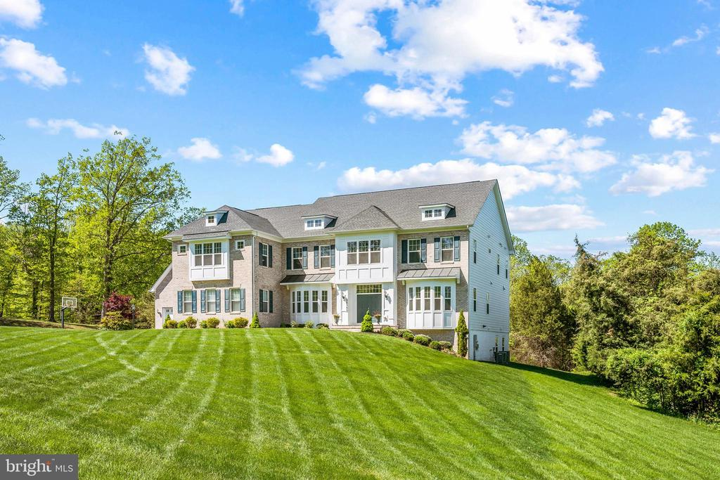 This upgraded oasis is a must-see! - 20585 STONE FOX CT, LEESBURG