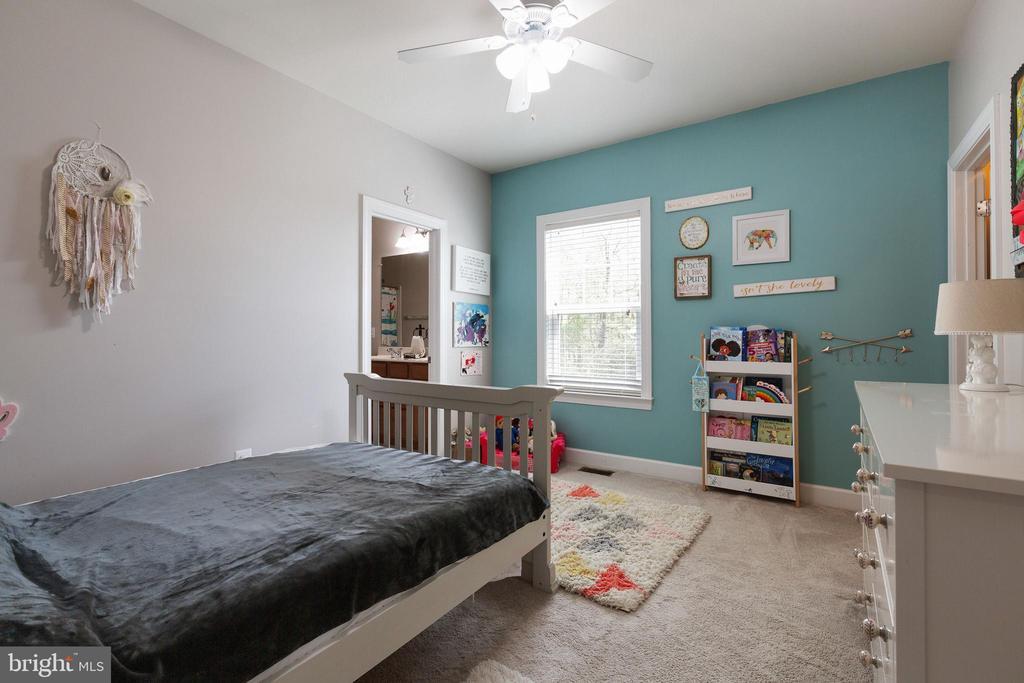 3rd bedroom with WIC - 15080 ADDISON LN, WOODBRIDGE