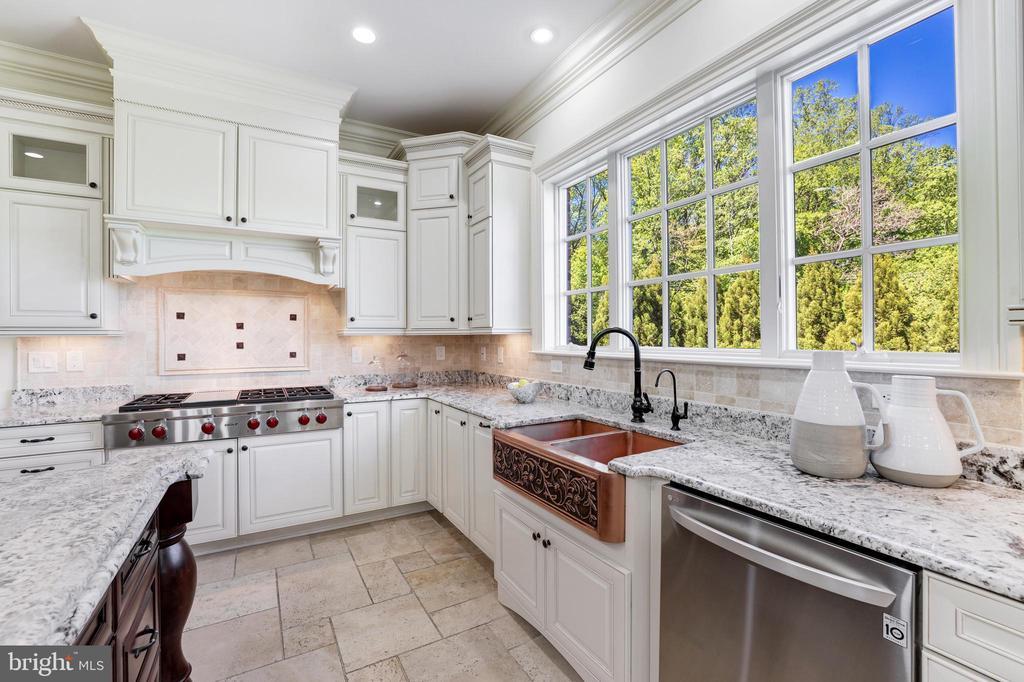 Kitchen Details - Copper Farmhouse Sink - 957 MACKALL FARMS LN, MCLEAN