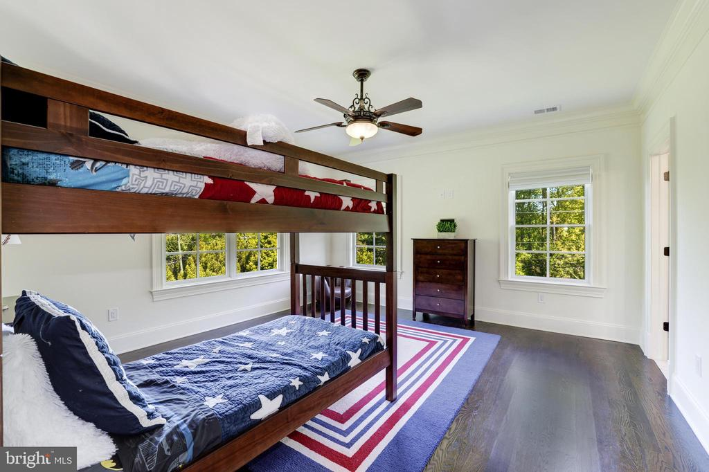 Bedroom #3 - 957 MACKALL FARMS LN, MCLEAN