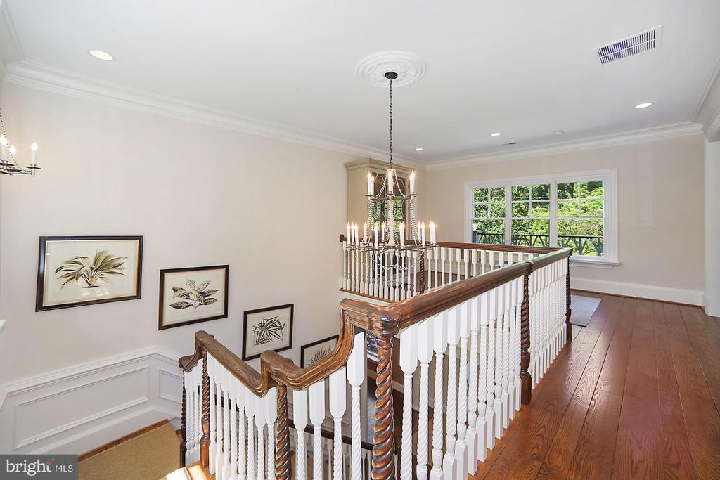 Upper Level - 7301 DULANY DR, MCLEAN
