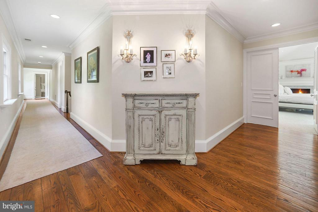 Hallway - 7301 DULANY DR, MCLEAN