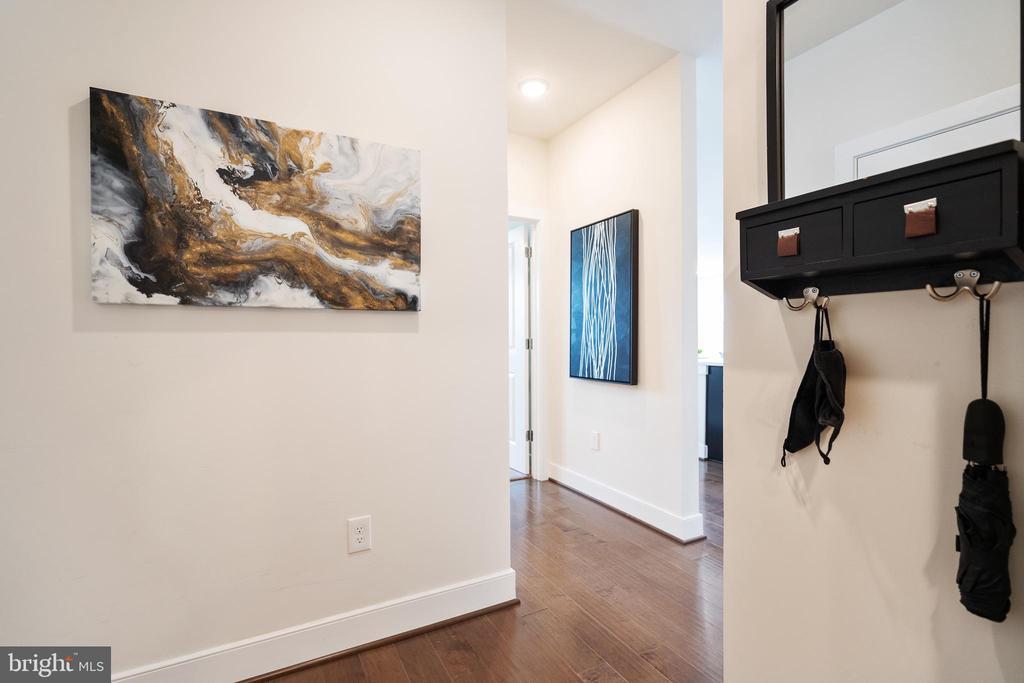 Alternate entry view-foyer - 11200 RESTON STATION BLVD #301, RESTON