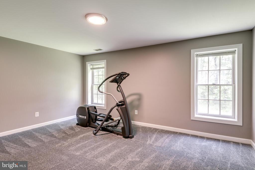 reading area or exercise room - 20894 LAUREL LEAF CT, ASHBURN