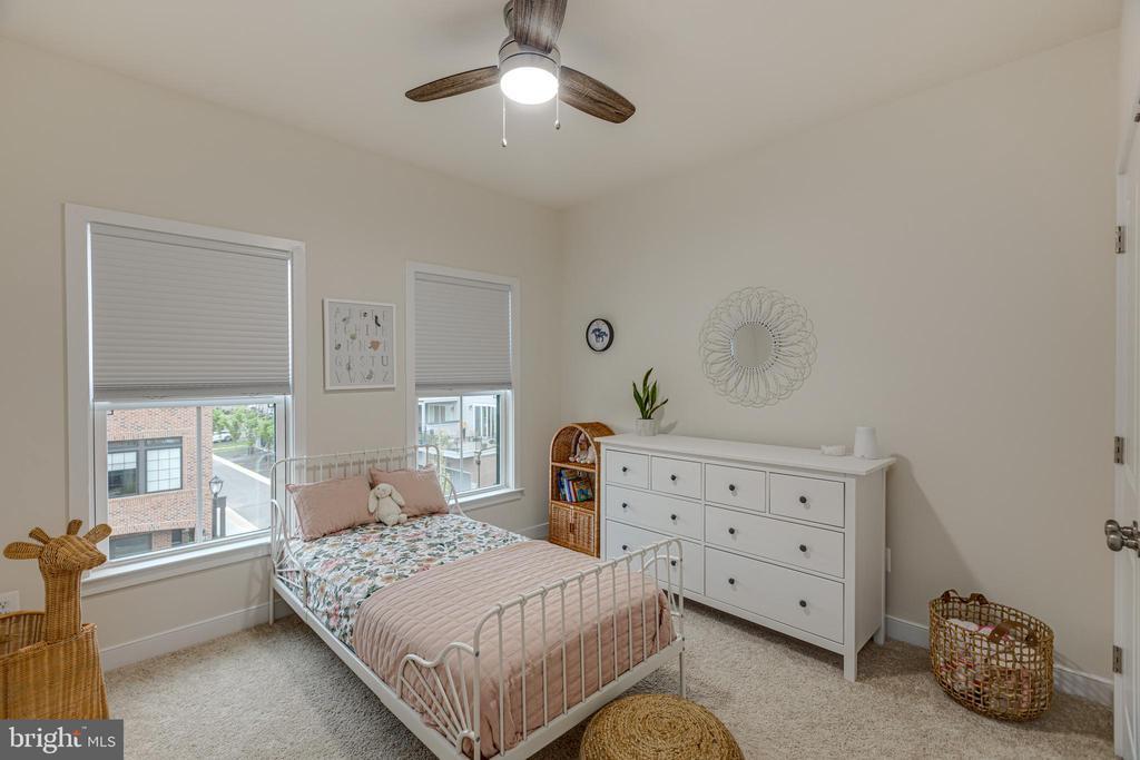 Bedroom 2 - 42280 IMPERVIOUS TER, BRAMBLETON