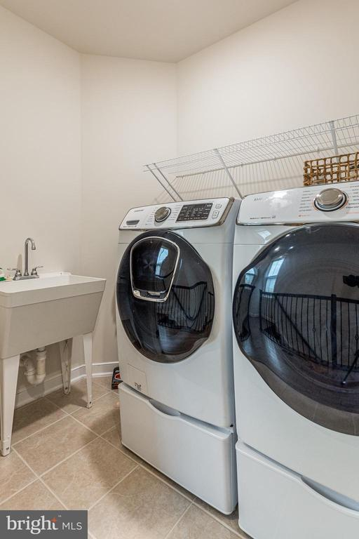 Washer / dryer room WITH sink! - 42280 IMPERVIOUS TER, BRAMBLETON