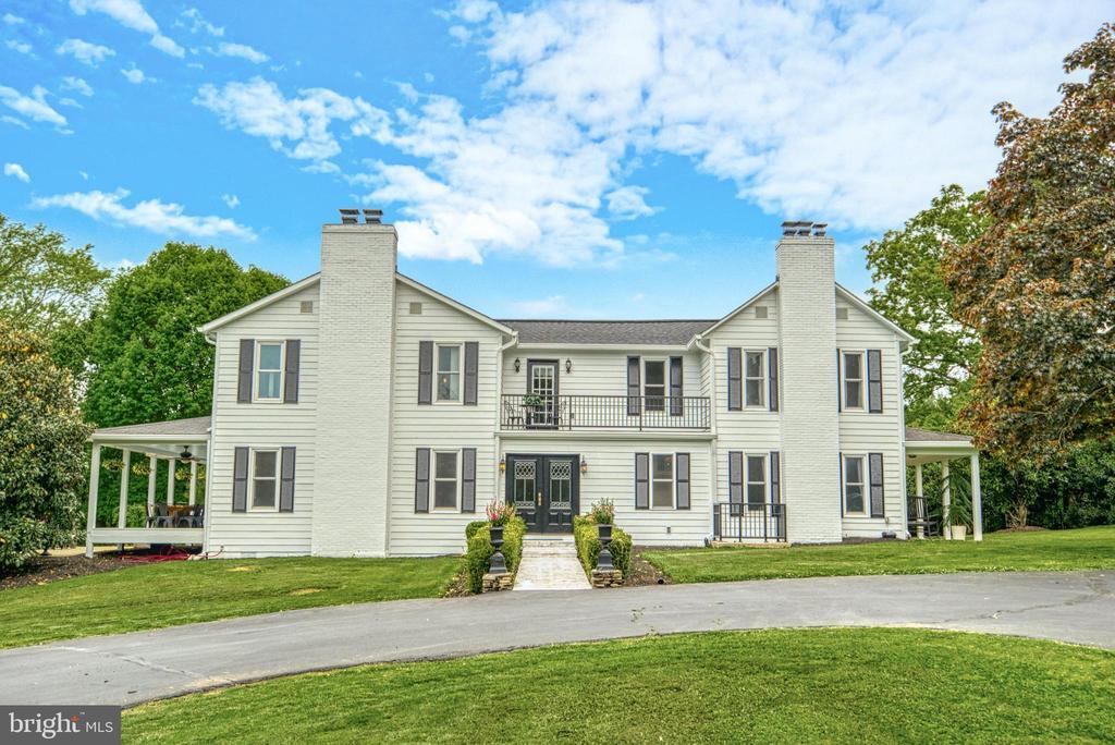 4 Bedrooms, 3 Bathrooms. 4300 sq.ft. - 7500 CLIFTON RD, CLIFTON