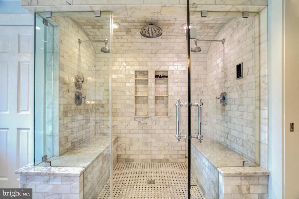 Steam shower w/ rainhead + dual shower heads - 7500 CLIFTON RD, CLIFTON